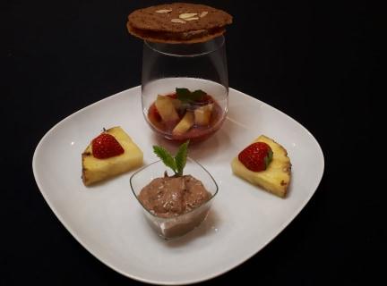 Lactosevrij dessertenpallet: koekjes, chocomousse, aardbei en ananas